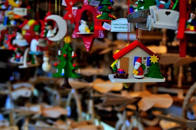 Il Natale sta arrivando, ecco dove festeggiarlo fra dolci, vin brulé e colori