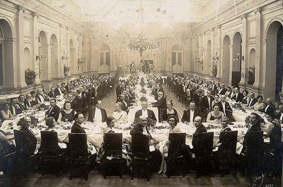 Italiani a tavola 1860 - 1960: a Villa Pisani fino al 31 ottobre la storia fotografica della cucina italiana