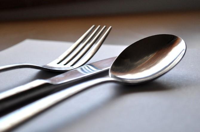 Mangiare non è solo questione di gusto, ma anche di posate…