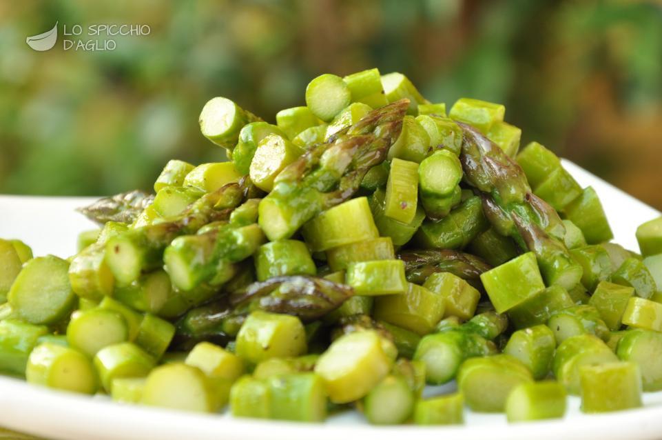 Ricetta Asparagi Verdi In Padella.Ricetta Asparagi In Padella Le Ricette Dello Spicchio D Aglio