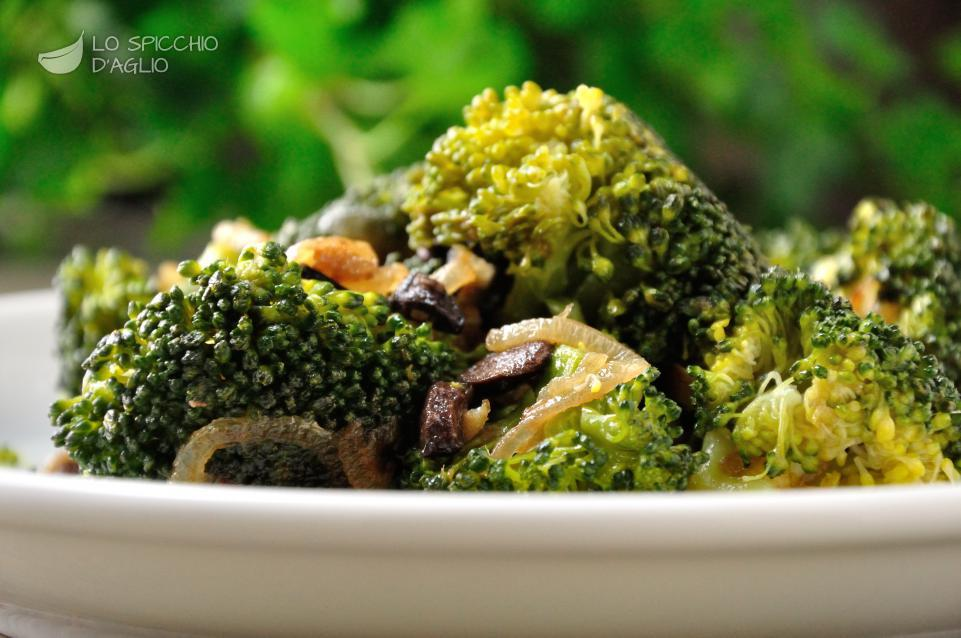 Broccoli alici e olive nere