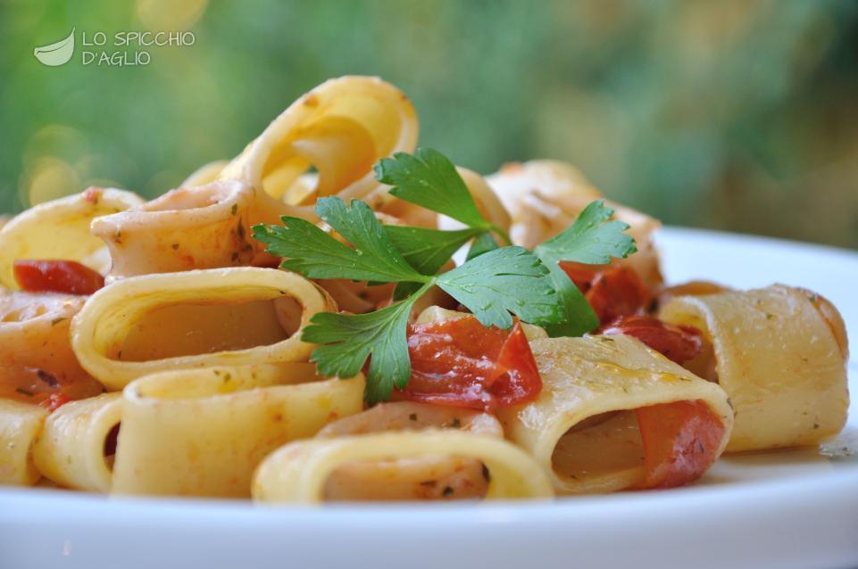 Ricetta calamarata le ricette dello spicchio d 39 aglio for Ricette semplici cucina