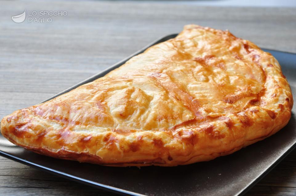 Ricetta calzone cotto e fontina le ricette dello for Torte salate con pasta sfoglia