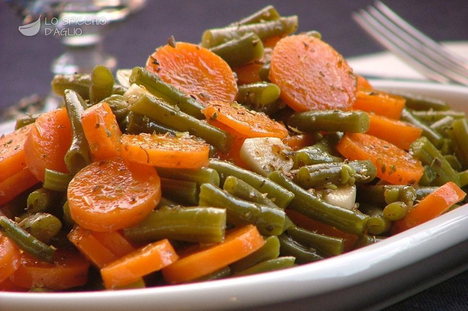 Ricetta carote e fagiolini all 39 origano le ricette - Cucinare i fagiolini ...