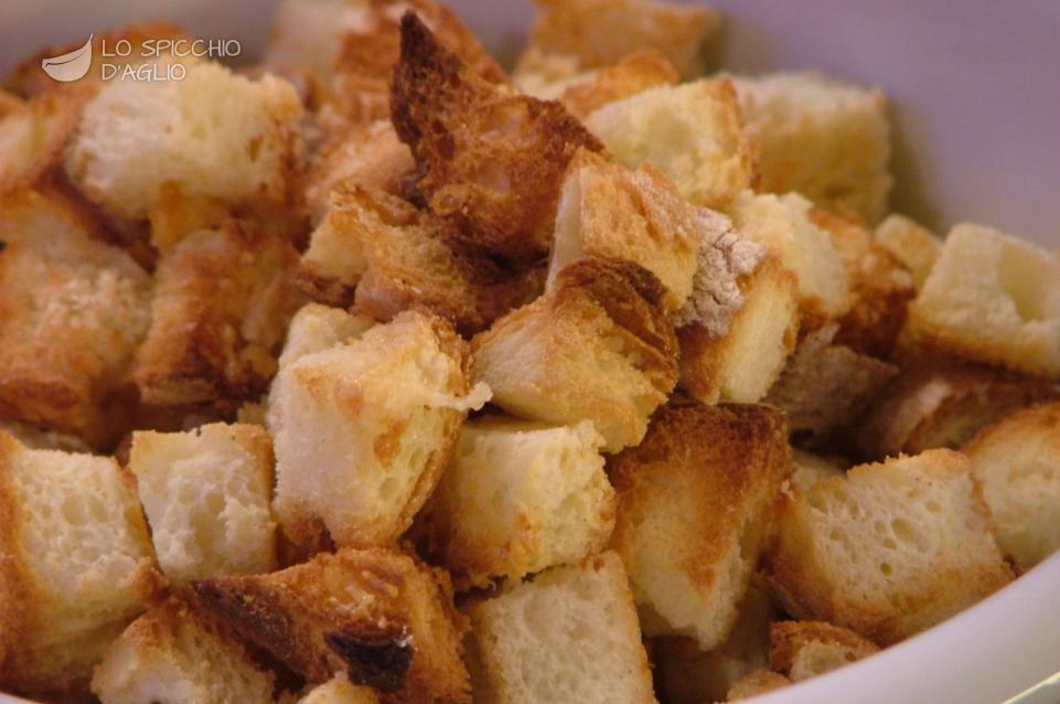 Crostini di pane al Parmigiano Reggiano