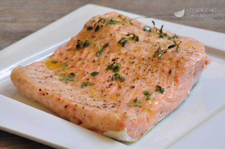Ricetta filetto di salmone al forno le ricette dello - Secondi piatti da cucinare in anticipo ...