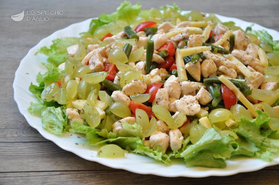 Ricetta insalata di pollo e uva le ricette dello for Ricette insalate