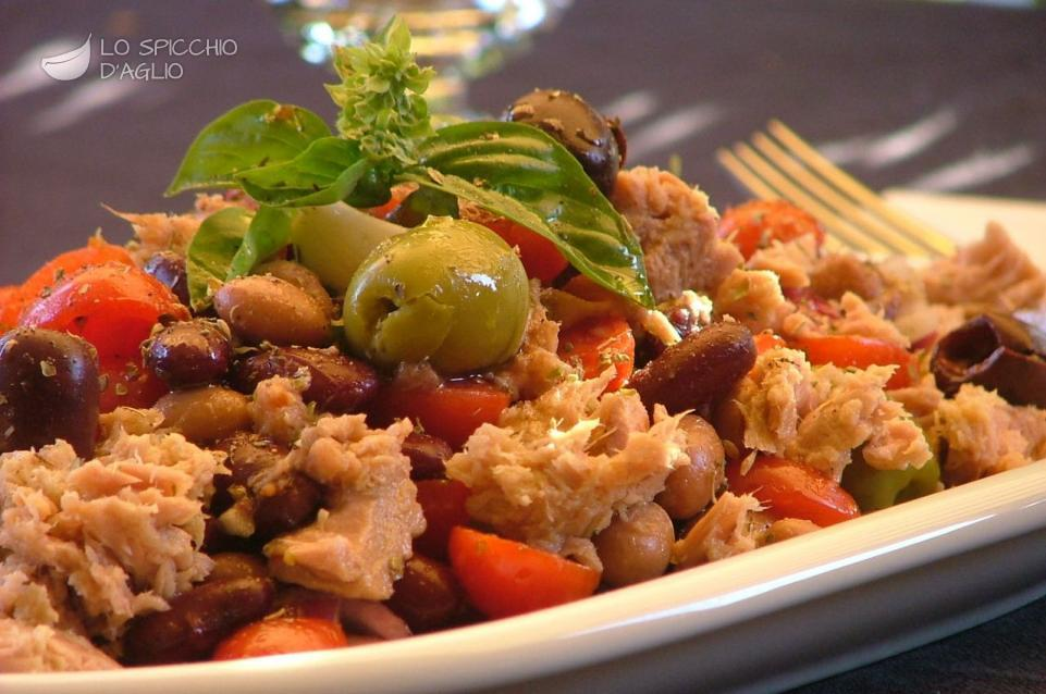 Ricetta insalata al tonno estiva le ricette dello for Insalate ricette