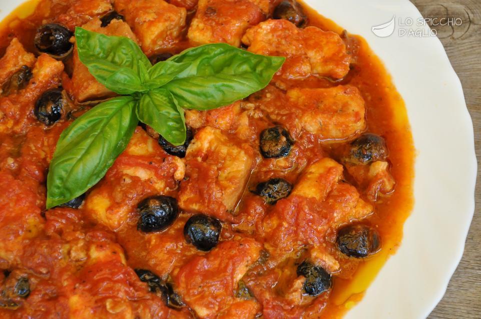 Ricetta merluzzo alla livornese le ricette dello spicchio d aglio