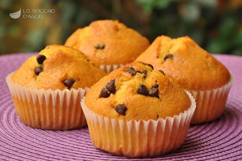 Ricette frutta e dolci. Muffin con gocce di cioccolato