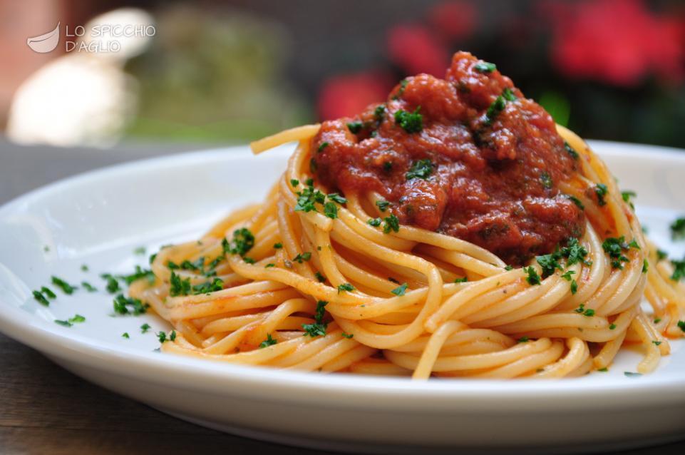 Ricetta spaghetti cozze e vongole le ricette dello for Spaghetti ricette