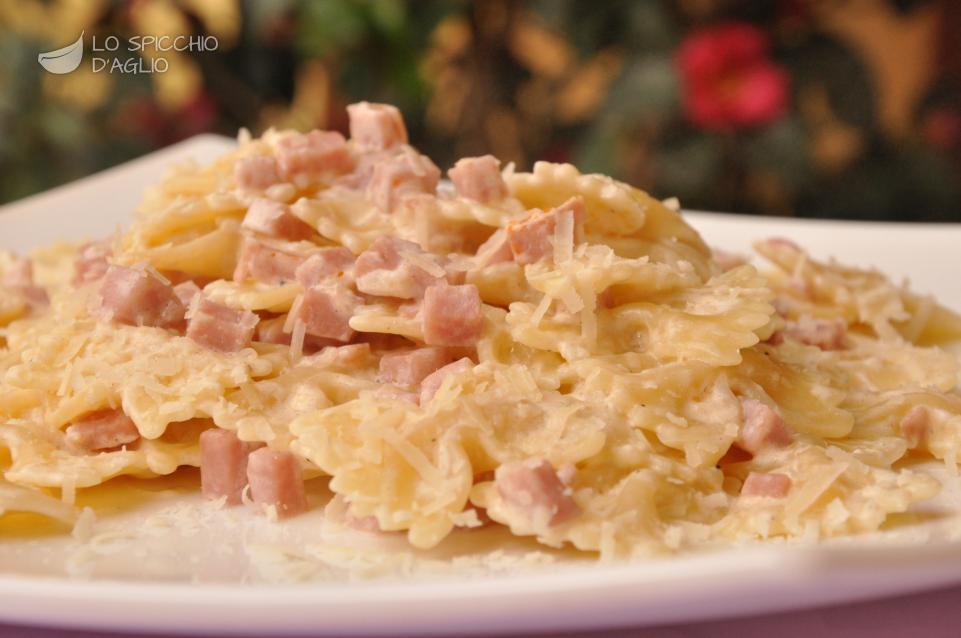 Ricetta pasta cotto e panna le ricette dello spicchio for Primi piatti veloci e gustosi