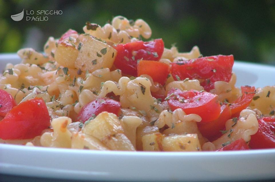 Pasta patate e pomodorini