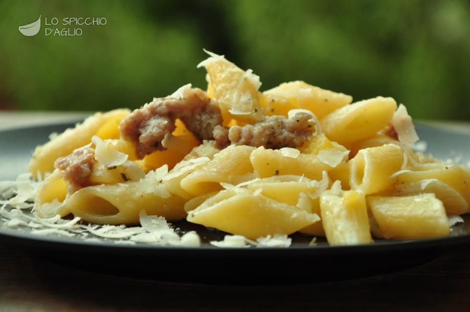 Ricetta pasta patate e salsiccia le ricette dello for Ricette primi piatti di carne