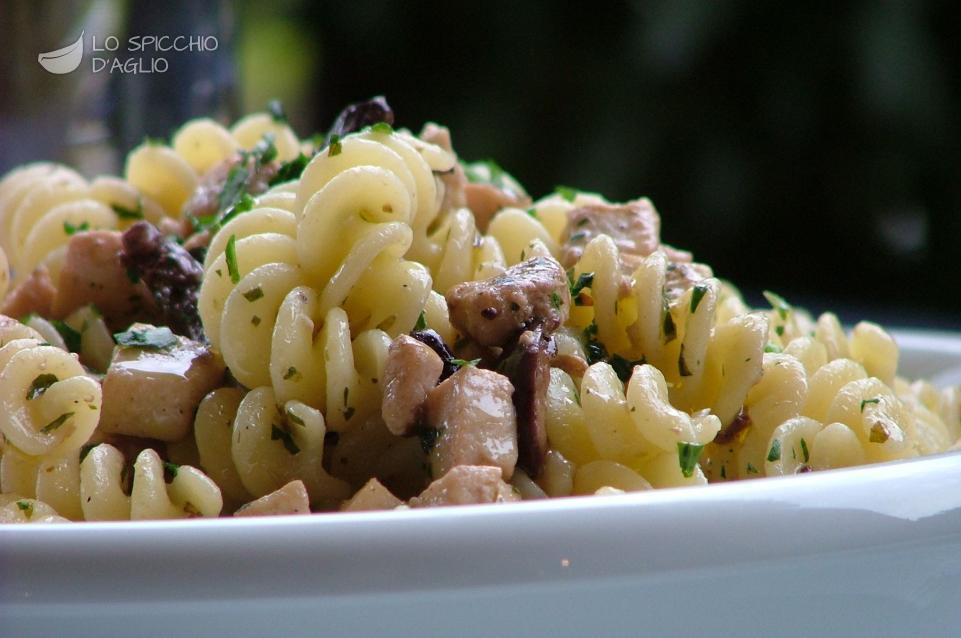 Ricetta pasta al pesce spada le ricette dello spicchio for Primi piatti di pesce ricette