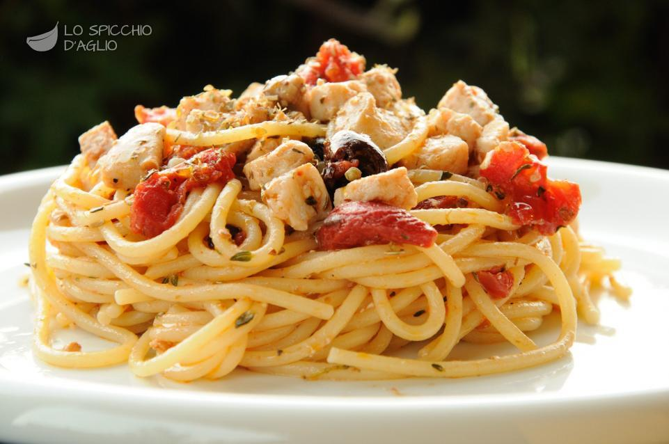 Ricetta pasta e salmone e pomodorini