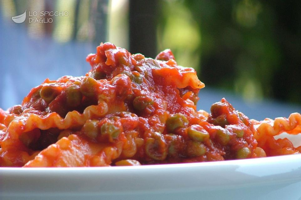 Ricetta pasta e piselli rossa