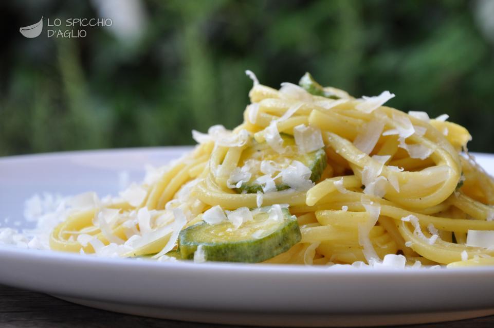 Pasta zucchine e zafferano