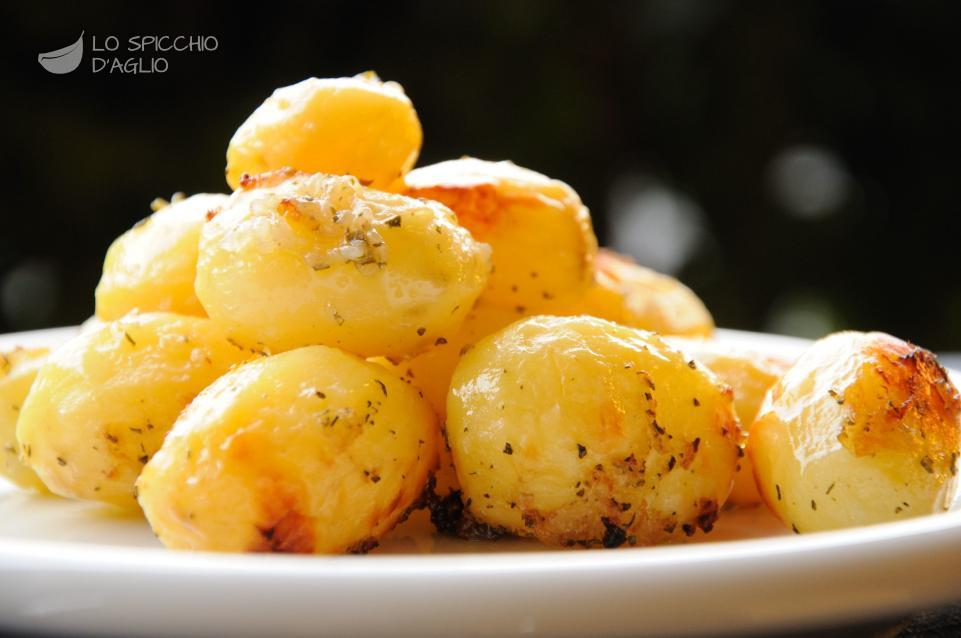 patate novelle al forno con cipolle e rosmarino