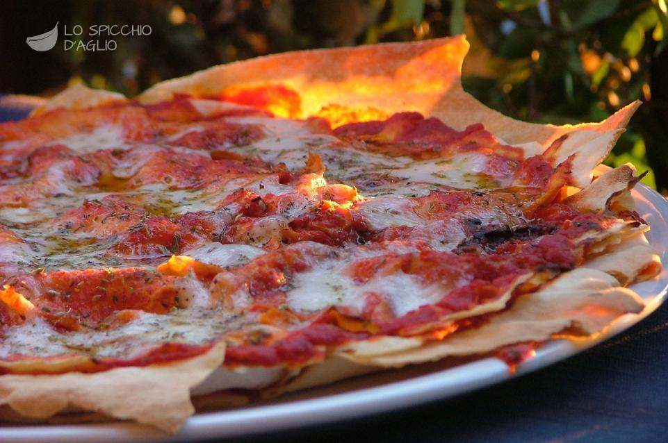 Ricetta Pizza E Pane.Ricetta Pizza Carasau Le Ricette Dello Spicchio D Aglio