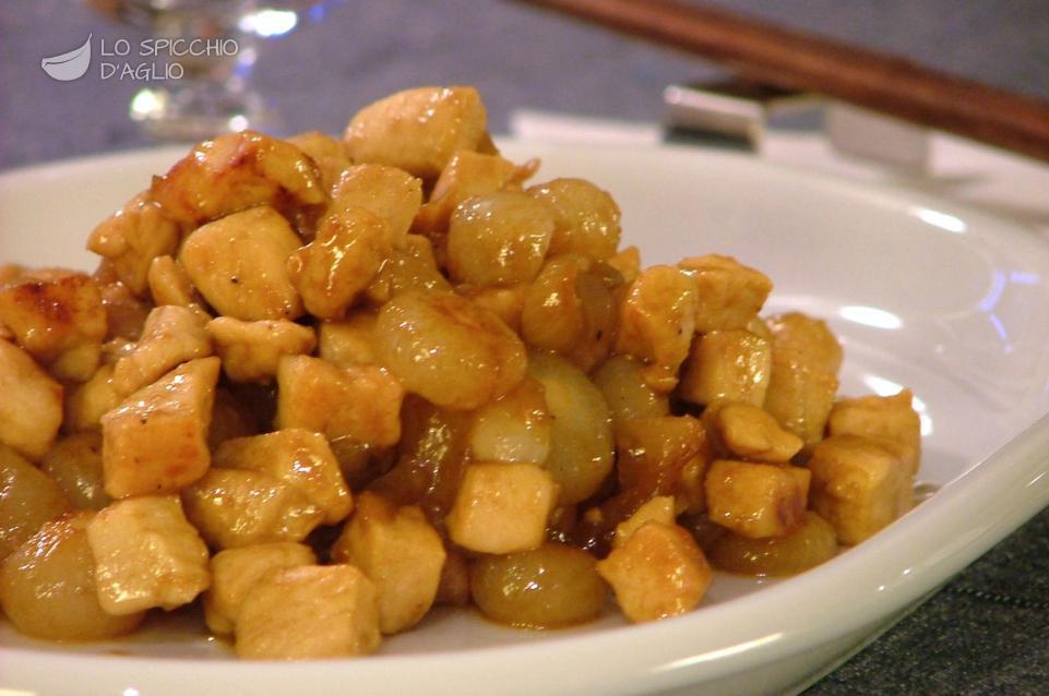 Ricetta pollo e cipolline all 39 agrodolce le ricette for Cucinare wurstel