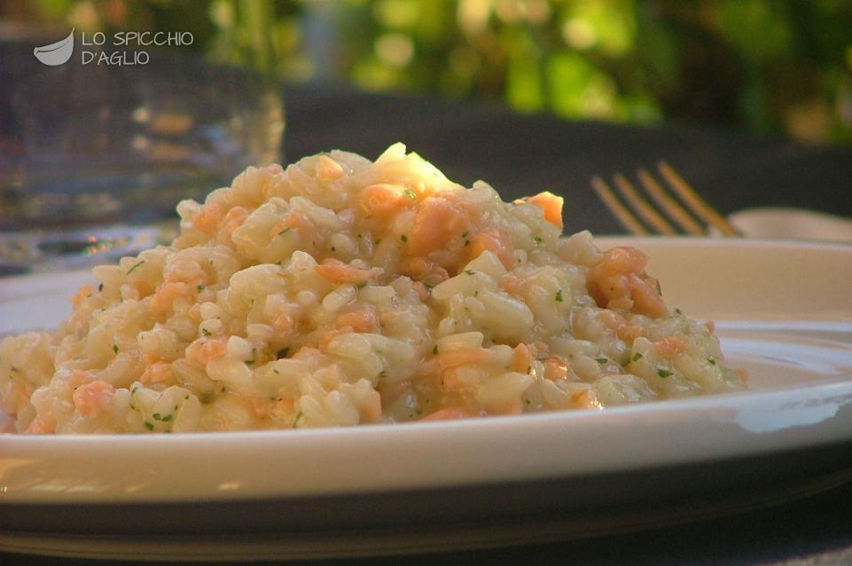Ricetta risotto al salmone le ricette dello spicchio d for Risotto ricette