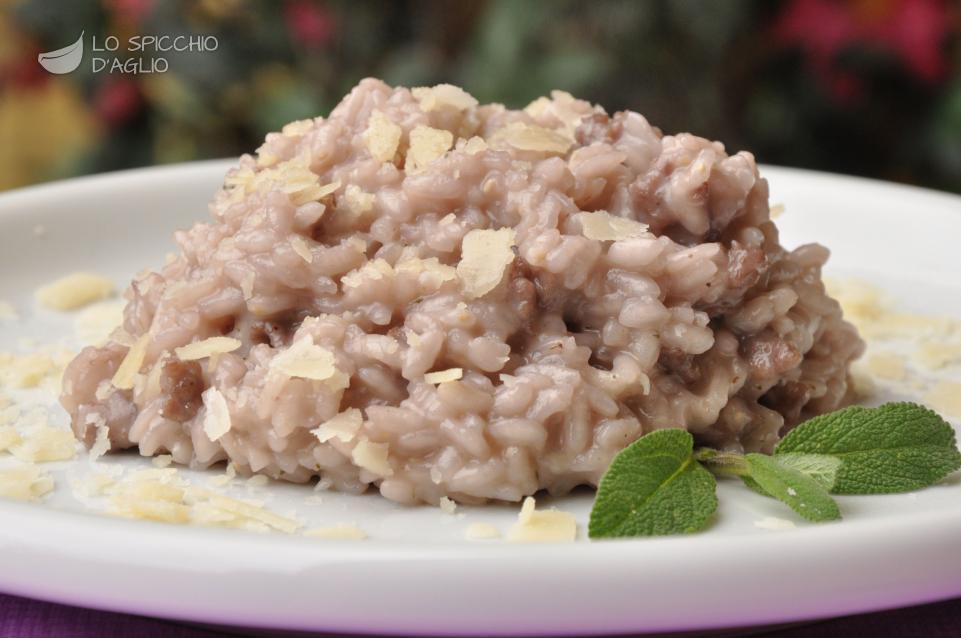 Ricetta risotto alla salsiccia le ricette dello for Ricette risotti veloci