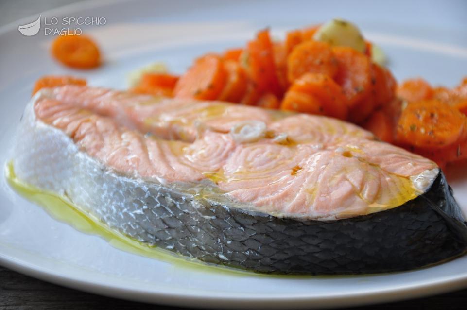 Ricetta salmone e carote al vapore le ricette dello spicchio d 39 aglio - Ricette con forno a vapore ...