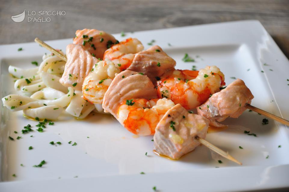 Ricetta - Salmone e gamberi al cartoccio - Le ricette dello ...