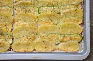 Fettine di patate e zucchine al forno