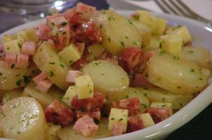 Insalata di patate, cotto e salame