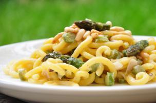 Pasta con ragù vegetale di asparagi