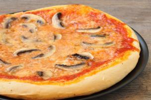 Pizza ai funghi freschi