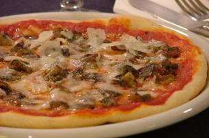 Pizza Parmigiano e funghi porcini