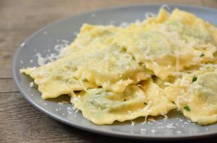 Ravioli di spinaci burro e salvia