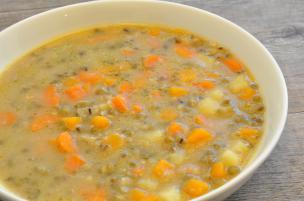Zuppa di fagioli azuki verdi