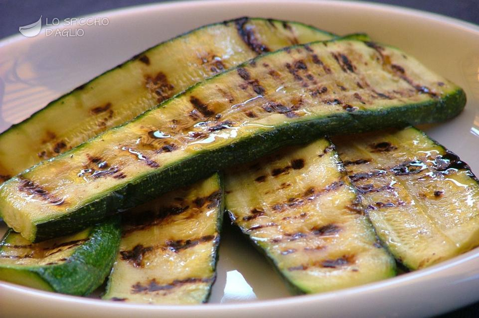 Zucchine lunghe alla griglia